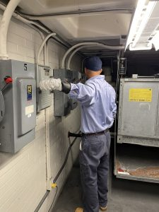 """Arc Flash Training should include both """"qualified persons"""" trained to work directly with electrical equipment and """"unqualified persons,"""" such as management, mechanics or janitorial staff who operate around an electrical hazard."""